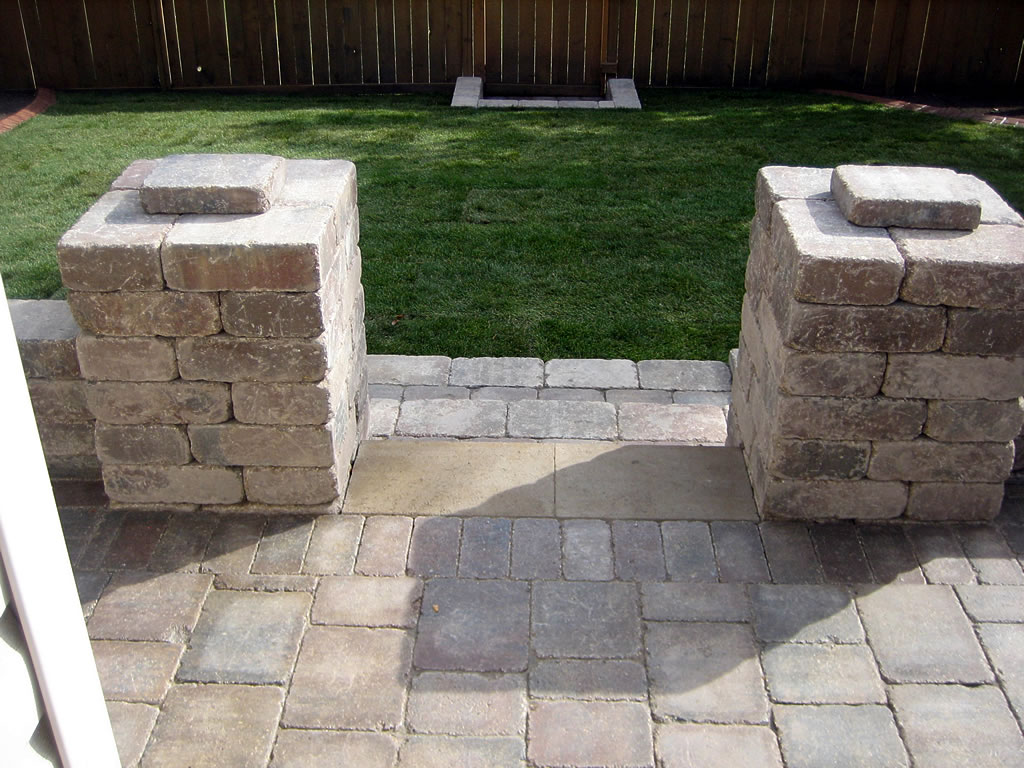 Brick Pillars with Steps - Morgan K Landscapes