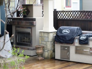 Outdoor Natural Gas Fireplace and BBQ