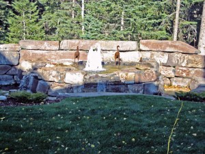 Rundle Stone Water Feature with Frothy Nozzles